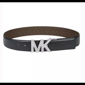 Michael Kors reversible belt